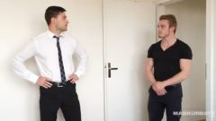 Masturbate Hot Real Estate Agent & I Barebacked him during Visit